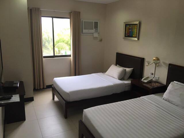 main-hotel-room1