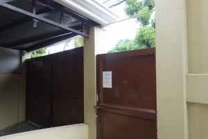 3.学校入口