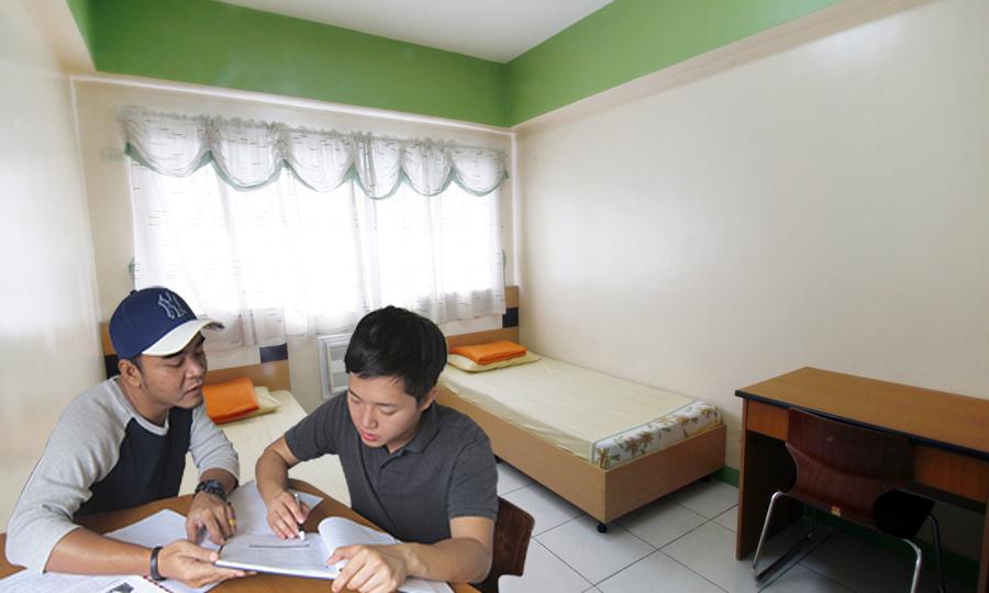 11-beds-room
