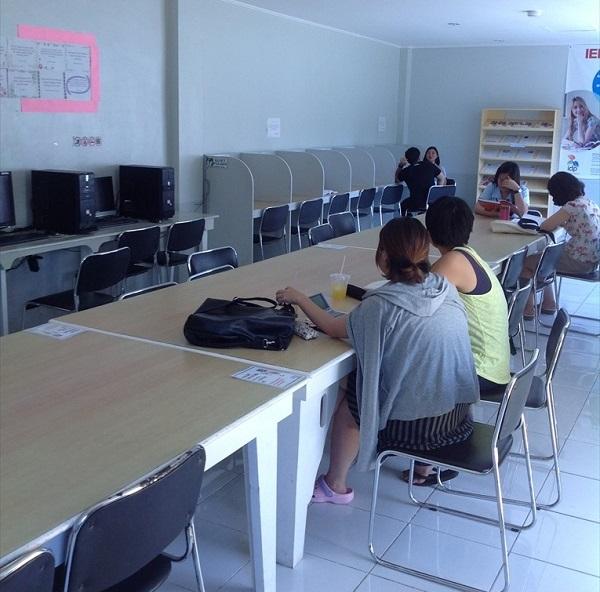 自習室 (1)