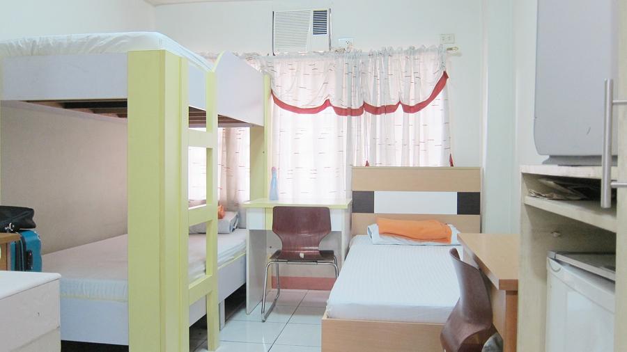 21-beds-room