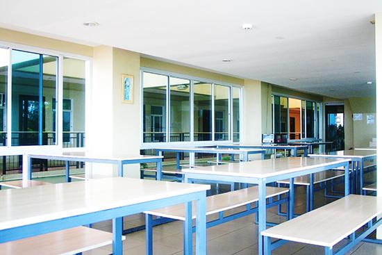 cafeteria_b