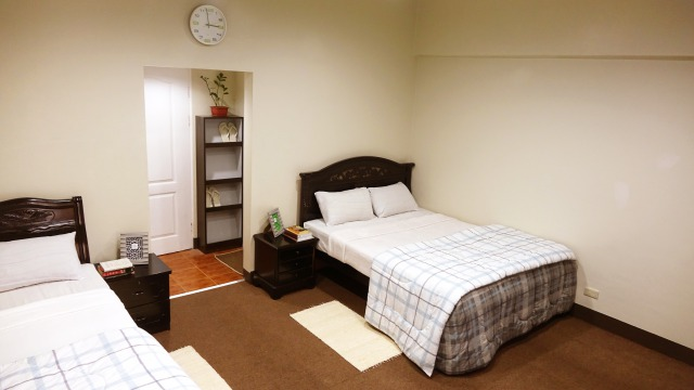s_ROOM FOR 2 (2)