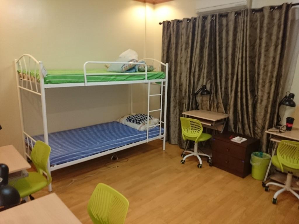 学生寮4人部屋